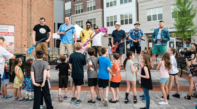 Featured photo. MDA Downtown Loves Dads, June 15, 2019. Photo Credit: Lauren Beischer Photography https://www.downtownmetuchen.org/downtown-loves-dads-photos-june-15-2019/#jp-carousel-16582