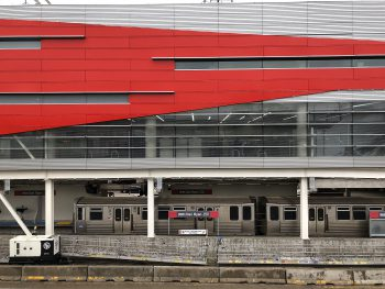 The 95th Red Line / Dan Ryan Station in Chicago, IL. Image by user Steinsbergnet, licensed by CC BY-SA 4.0.