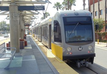 LA Metro's Gold Line at Atlantic Station. Image by user METRO96, licensed under CC BY-SA 3.0.