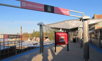Chicago Transit Authority's California Pink Line Station. Image by user Zol87, licensed by CC BY-SA 2.0.