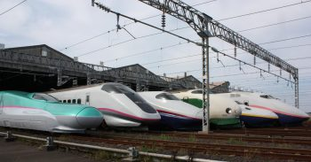 JR East's Shinkansen Lineup. Image by user DAMASA, licensed by CC BY-SA 3.0.