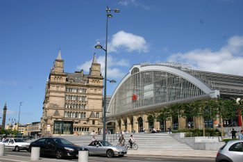 Liverpool's Lime Street Station. Image by user Neil T, licensed by CC BY-SA 2.0.