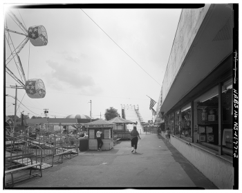GENERAL VIEW OF MIDWAY LOOKING SOUTHWEST - Keansburg Amusement Park, Beachway Road, Keansburg, Monmouth County, NJ