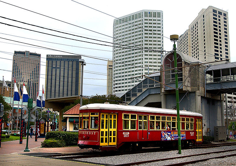 New Orleans streetcar on Canal Street. Photo taken by HUD is in the public domain.