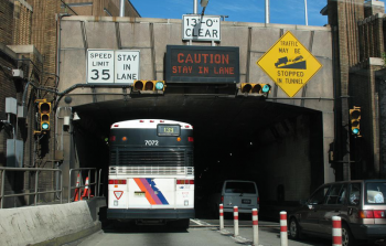 "<a href=""https://commons.wikimedia.org/wiki/File:Lincoln_Tunnel.jpg"" title=""via Wikimedia Commons"">Jumpy</a> / Public domain"