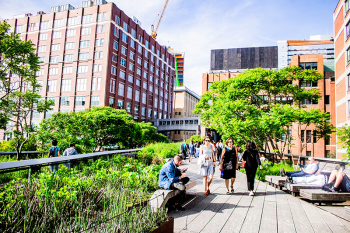 High Line, New York, New York. Photo by Simon Bak on Unsplash