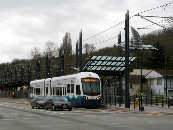 By Oran Viriyincy from Bothell, WA, United States - Rainier Beach Station, CC BY-SA 2.0, https://commons.wikimedia.org/w/index.php?curid=8314672